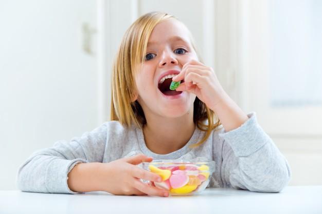 Vanaf welke leeftijd geef jij je kind snoep?